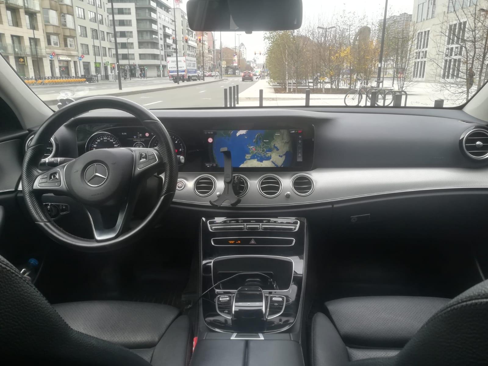 MB-E-class-interior