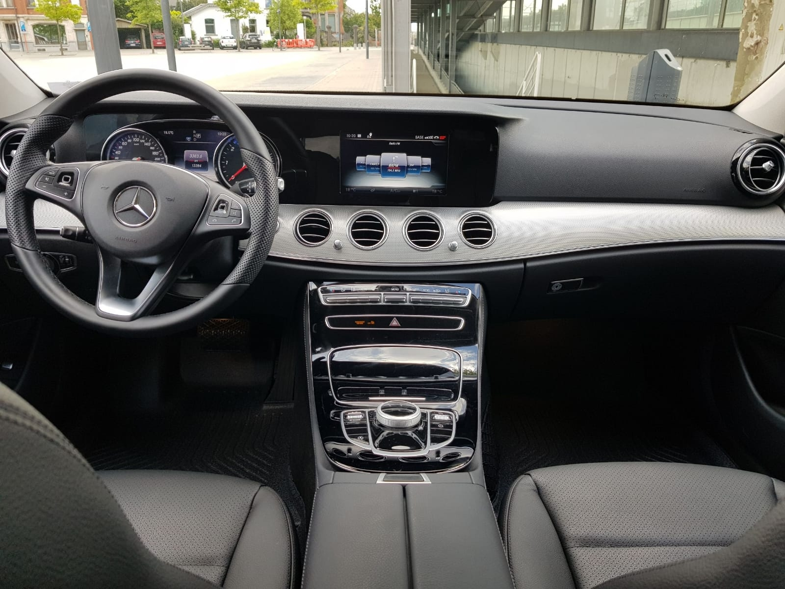 Meredes-E-class-interior-front